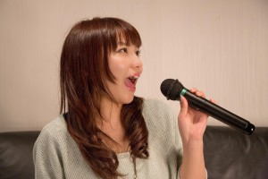 -shared-img-thumb-NKJ52_karaokeutauonnanoko_TP_V (1)